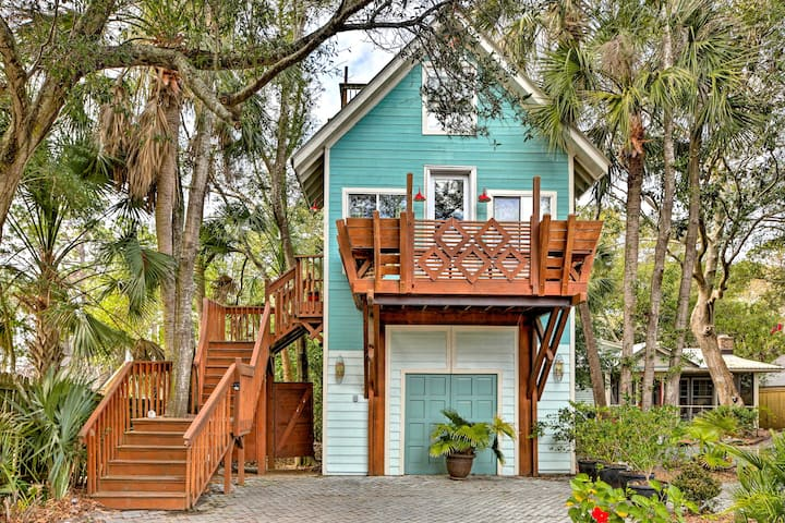 Chic Folly Beach Haven with Deck - Steps to Ocean!