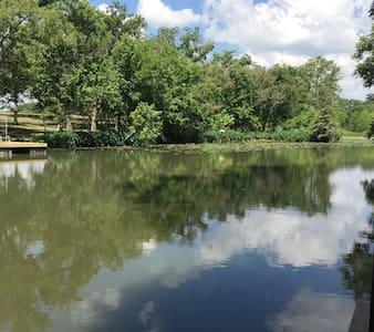 Lakeside Hide-Away