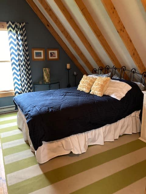 """Second-floor suite in """"Black Dog Cottage"""""""