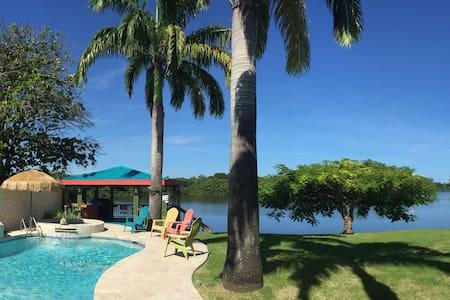 Lake Villa House
