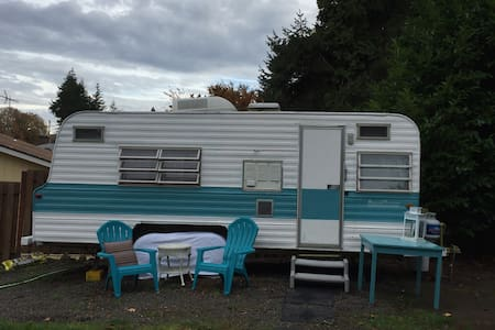 Vintage Trailer in West Linn - West Linn