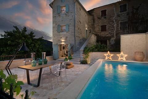 Casa Gradinje with swimming pool