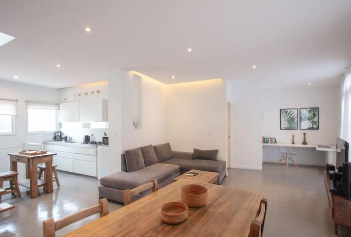 Aire Serrano - Two bedroom Porteño PH with Terrace