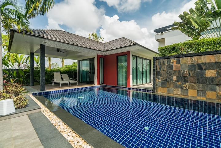 Modern 4 br private pool and garden villa Diamond