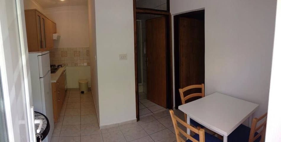 Zana apartmani 3 guests - Bošana - Apartamento
