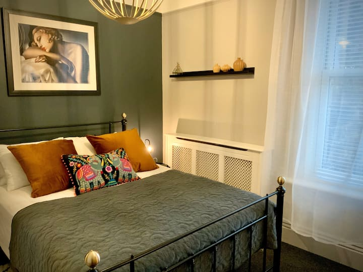 Sumptuous King Room with en-suite
