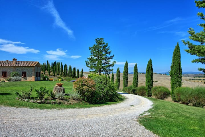 San Donnino 3 - Vacation Rental with swimming pool near Siena, Tuscany