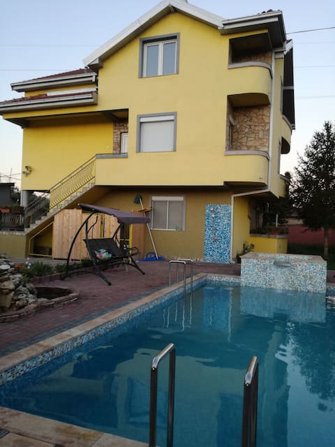 SUPER CUP SKOPJE HOUSE FOR RENT