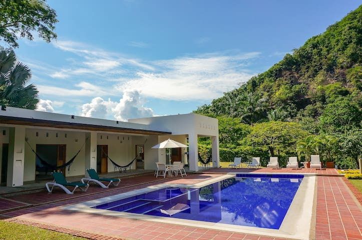 Perfect Villa @ Private & Exclusive Club in Apulo!