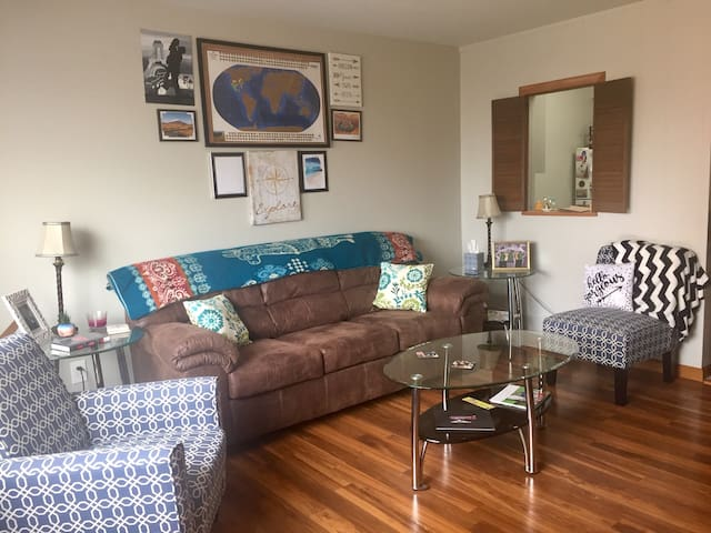 Cozy 1-Bedroom Apartment in Beautiful Bayview