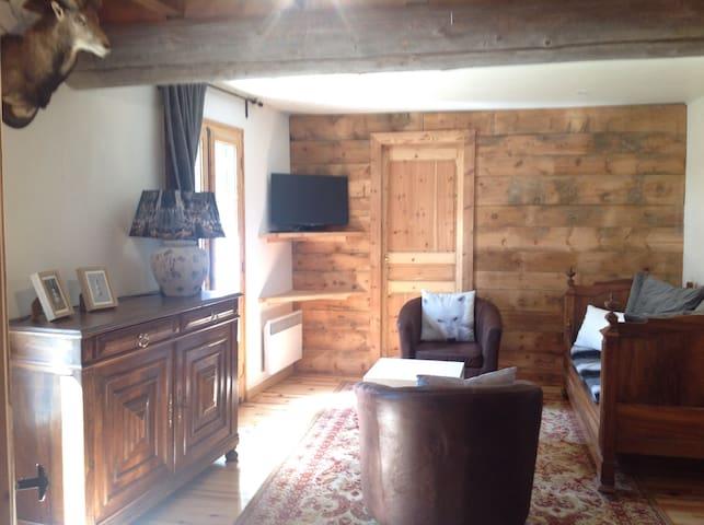 Maison de montagne au coeur du village de Porta - Porta - Rumah