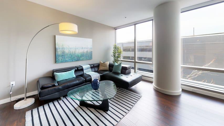 Downtown Lux Apartments Studio 1BD 10 F