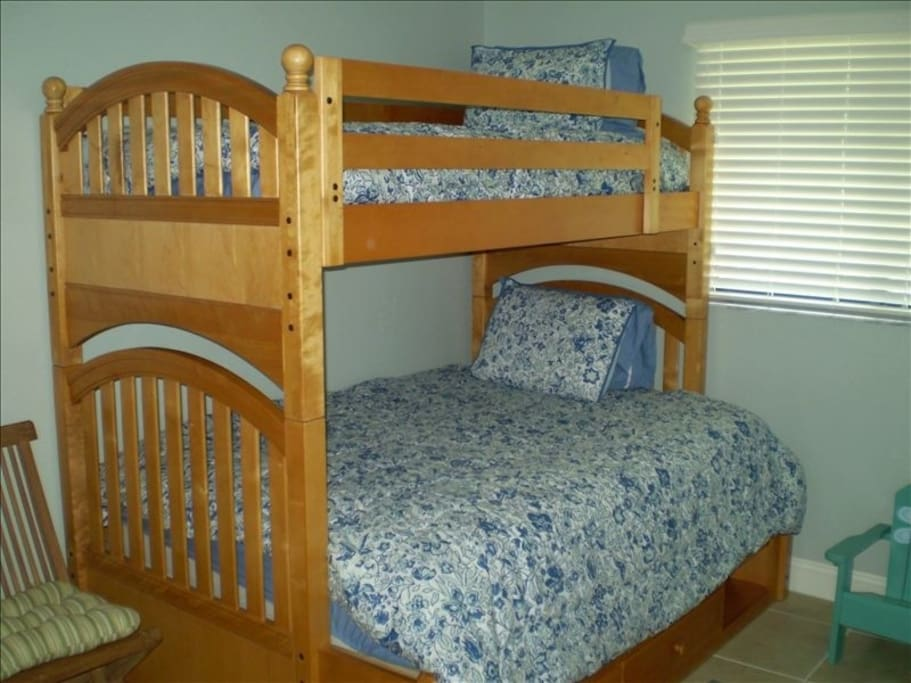 2nd bedroom--Bunk with full on bottom/twin on top