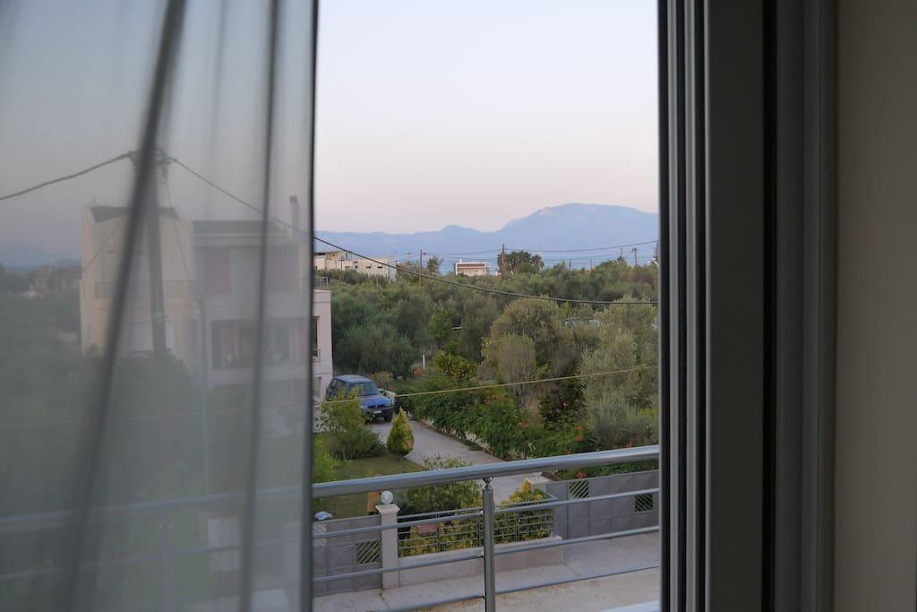 Θέα από το υπνοδωμάτιο