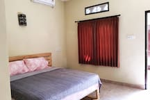 King Size Bed and AC