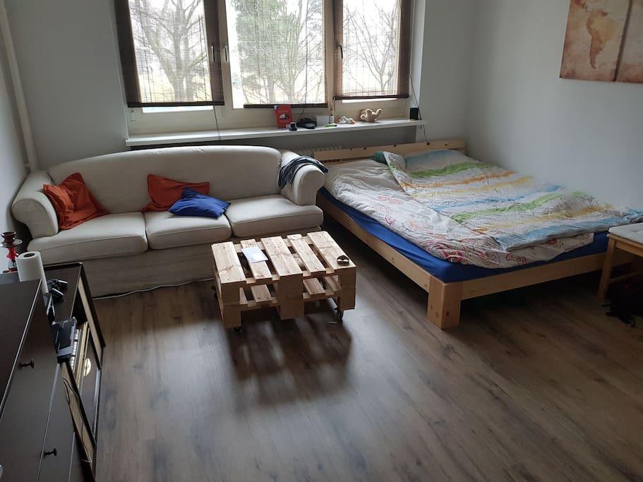 1 zimmer im wundersch nem tempelhof wohnungen zur miete in berlin berlin deutschland. Black Bedroom Furniture Sets. Home Design Ideas