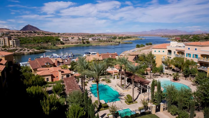 Top Floor, BEST view at Viera, Lake Las Vegas!