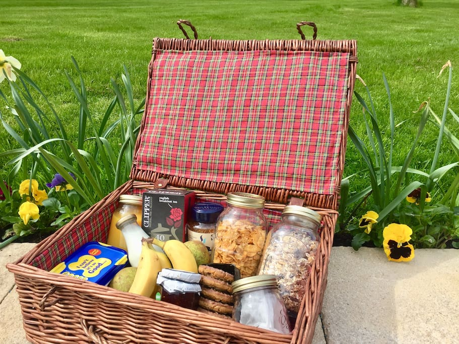 A hamper to welcome you to Withy Meadow Studio