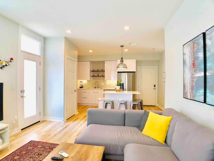 Gorgeous 1bd/ba king-sized remodel in downtown SLC