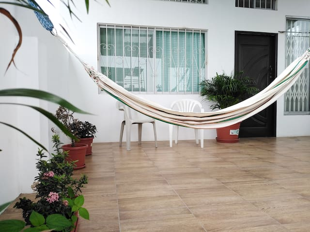 Safe apartment close to Guayaquil airport