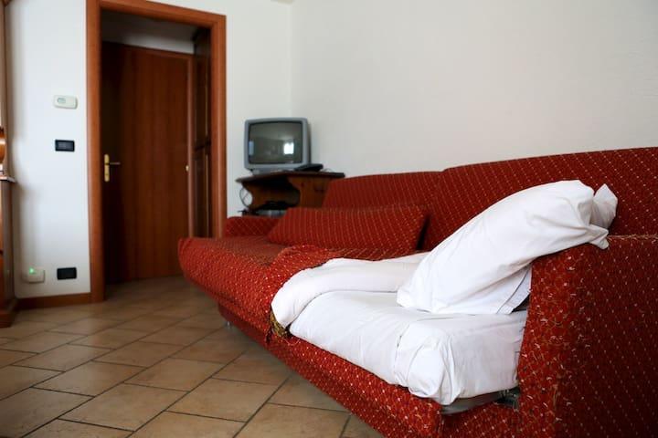 Divano-letto in soggiorno