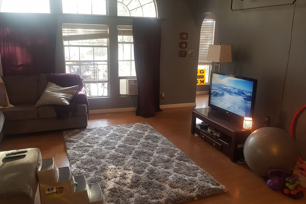 Main room. Watch cable TV or Apple TV while doing a small work out.
