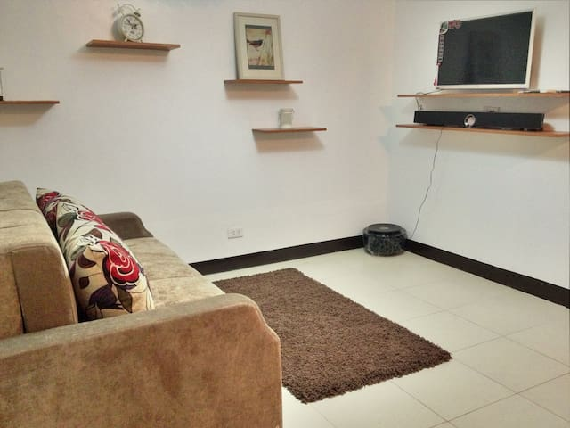 Fully Furnished Condo in Malate Manila