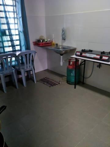 Kitchen with gazcooker