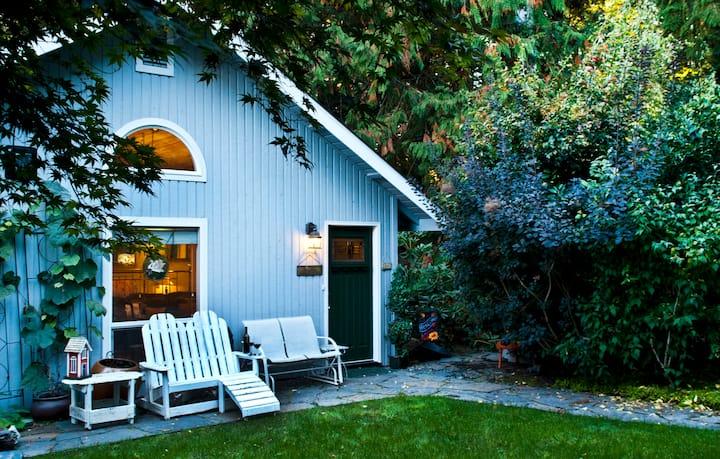 Modern Waterfront Cottage