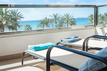 Precioso apartamento en  Playa. Vistas frontales.