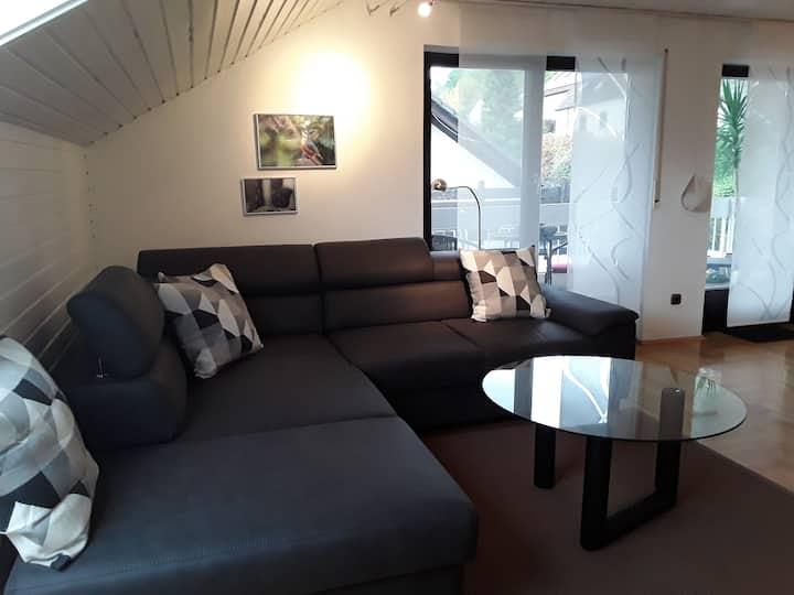 Ferienwohnung Bieniussa (Gemünden), Ferienwohnung 2 mit zwei Schlafzimmern und Balkon mit Sonnenliege