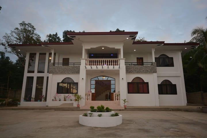 Guesthouse in Coron (New)