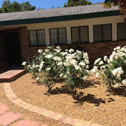 Stellenbosch town, 2 bed with private pool