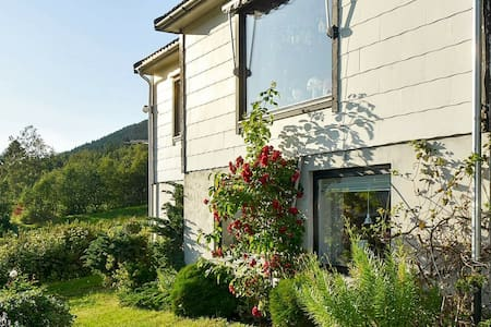 3 person holiday home in Vartdal