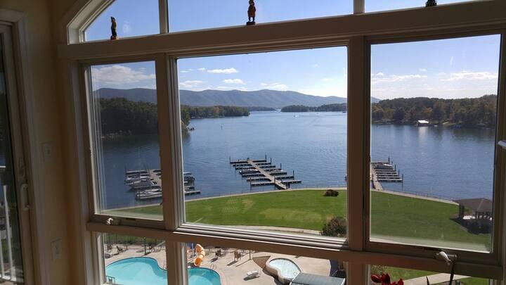 Mariners Landing: 3 Bedroom Lakefront Condo #153