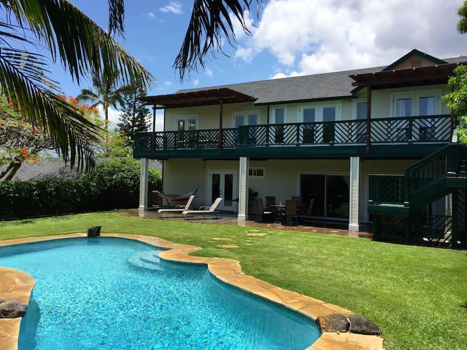 Intimate backyard with private pool! Splash away!