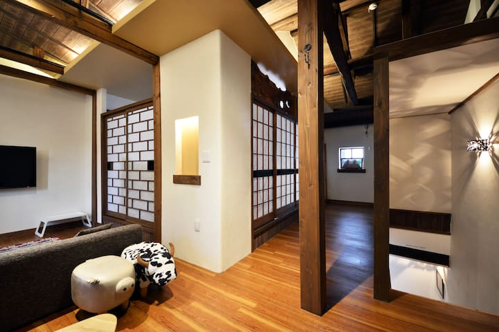 Japanese traditional private house near downtown