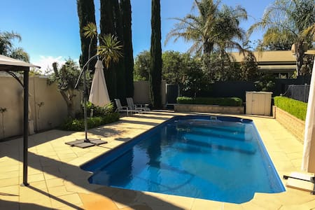 A Touch of Tuscany with Pool Access