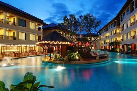 Spacious Luxury Suite | Patong Beach 1 min | Pool - Tambon Patong - Osakehuoneisto