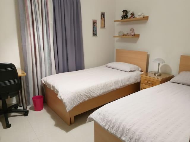 A unique cosy room in a tranquil private complex