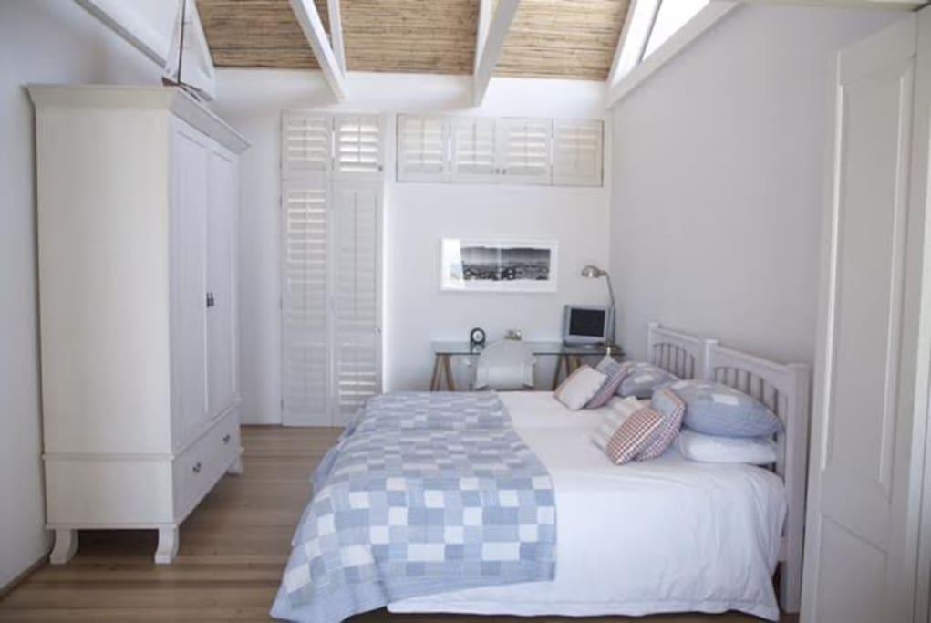 Bedroom   ( children's room)