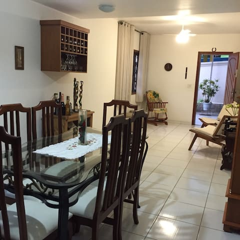 RIO: 4/2 bed family house next to airport - 里約熱內盧 - 獨棟