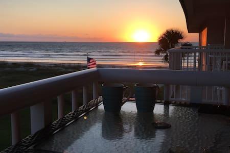 Brand New Ocean View Condo in Cocoa Beach - Cocoa Beach - Departamento