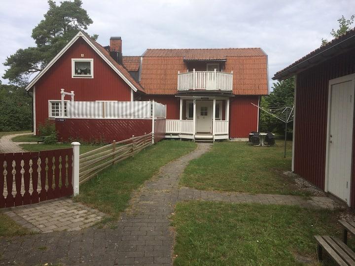 Lantlig atmosfär på mellersta västra Gotland