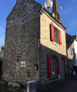 Audierne maison bretonne en pierre