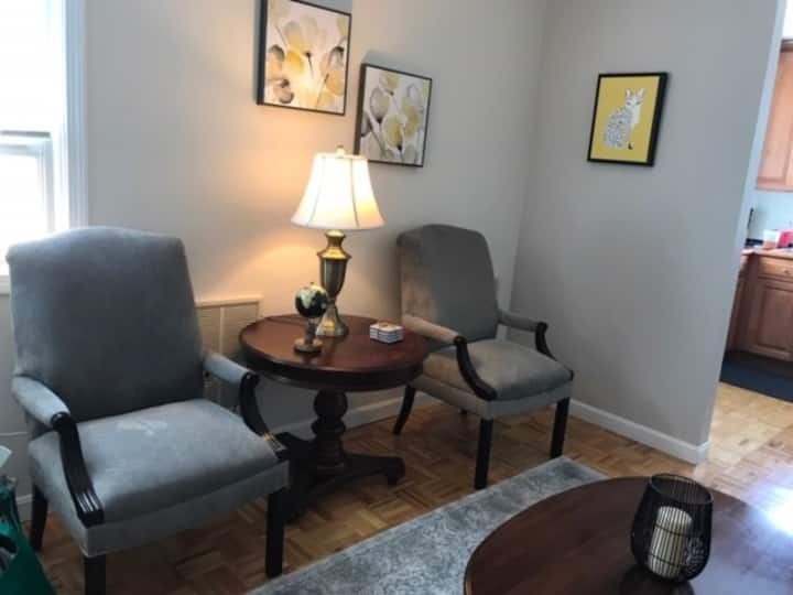 Cozy 2-bdrm. condo 15 mins. to downtown Boston