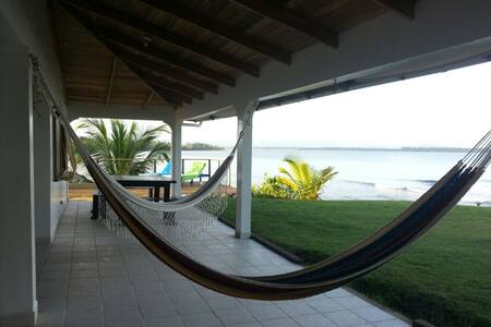 Sea front Villa with private beach - bocas del toro
