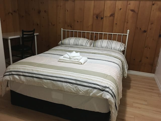 103大床房公用卫生间