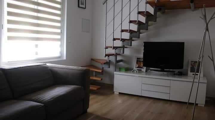 lindo pequeño apartemento,Playa  y clima AC