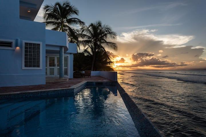 Unique oceanfront Villa Chavaniac - Suite Espace